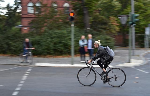 女性自転車乗りが増えない